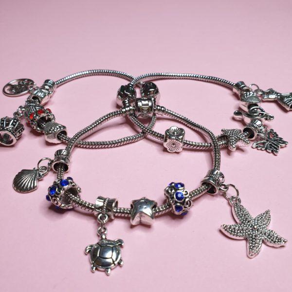 Подарок в квесте для девочек - модные браслеты
